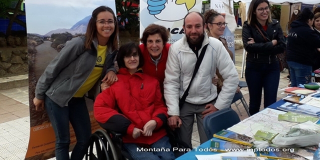 Montaña Para Todos junto a Juana de la Rosa, Directora Insular de Voluntariado e Inclusión Social