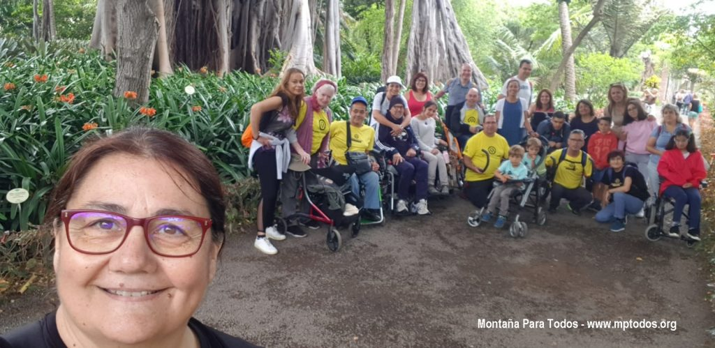 Foto de grupo de MPT en visita al Jardín Botánico del Pto. de la Cruz