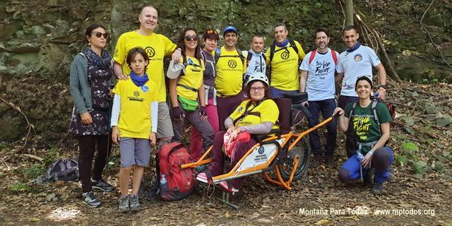 Foto de grupo de participantes en la Ruta de Convivencia